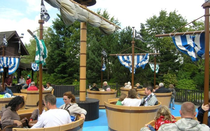pirate carousel legoland