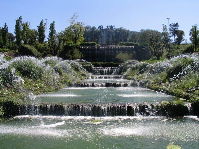 Giardino Delle Cascate Roma.Riaperto A Roma Il Giardino Delle Cascate Dell Eur 100tour
