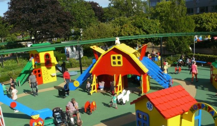 legoland play house