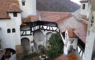il castello di bran, il chiostro