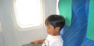 Bambini che viaggiano da soli